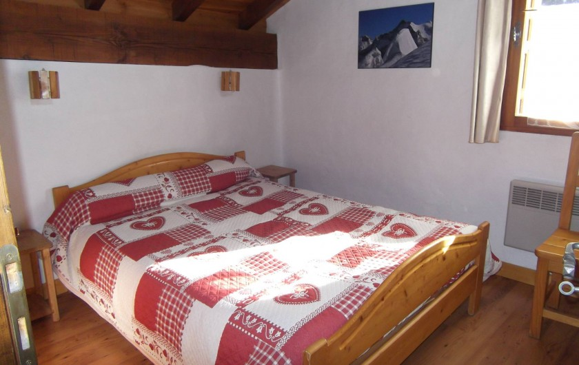 Location de vacances - Chalet à Champagny-en-Vanoise - Chambre à l'étage avec lit en 140X190
