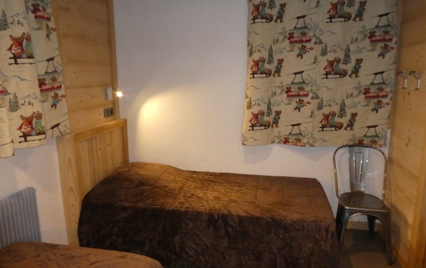 Location de vacances - Appartement à Méribel - Triolets - chambre 3 lits simples