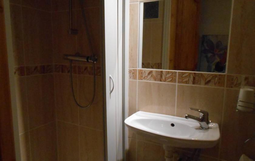 Location de vacances - Gîte à Vidauban - salle de bain  haut