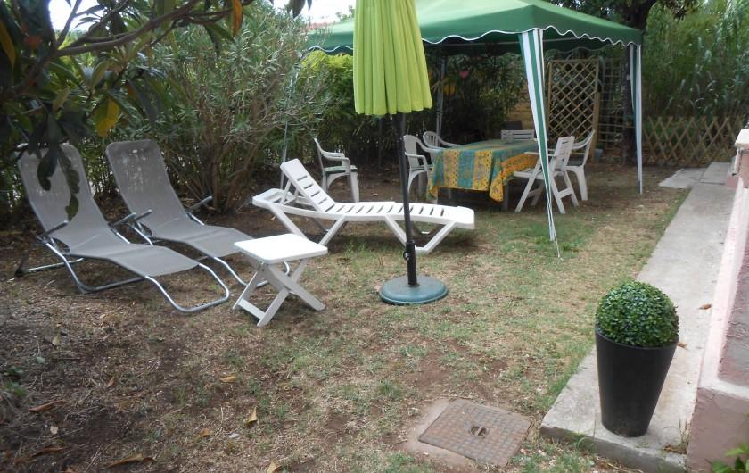 Location de vacances - Gîte à Vidauban - coin repas extérieur