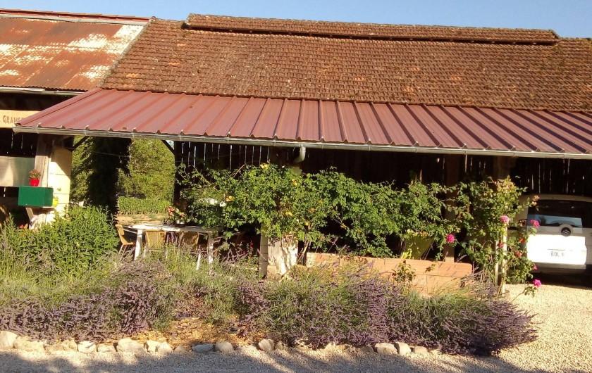 Location de vacances - Appartement à Liourdres - Parterre avant