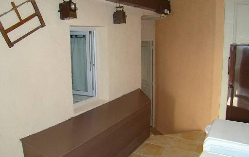 Location de vacances - Appartement à Cavalaire-sur-Mer - Lingerie et rangement