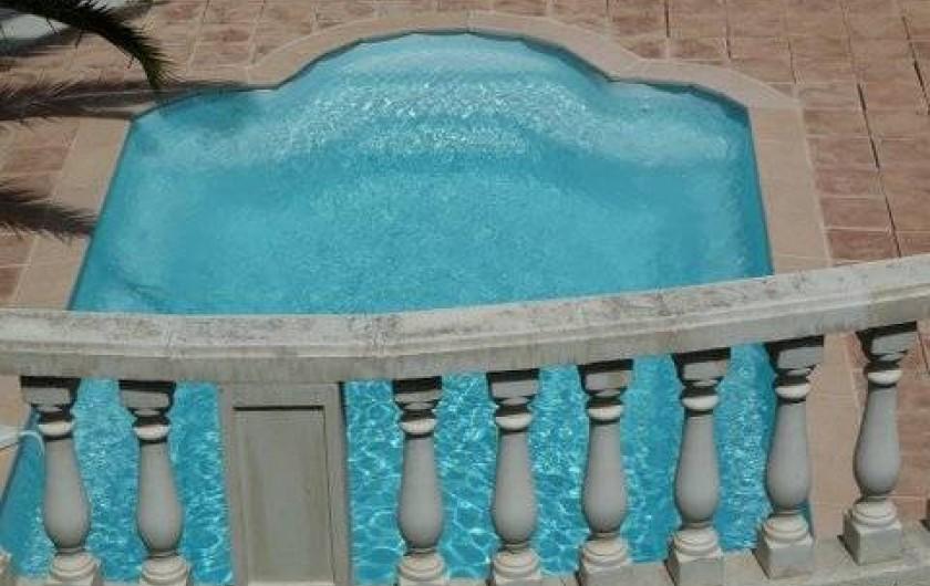 Location de vacances - Appartement à Cavalaire-sur-Mer - Piscine
