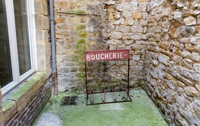 Location de vacances - Appartement à Charleville-Mézières - L'appartement dispose d'une cour intérieure pour les vélos