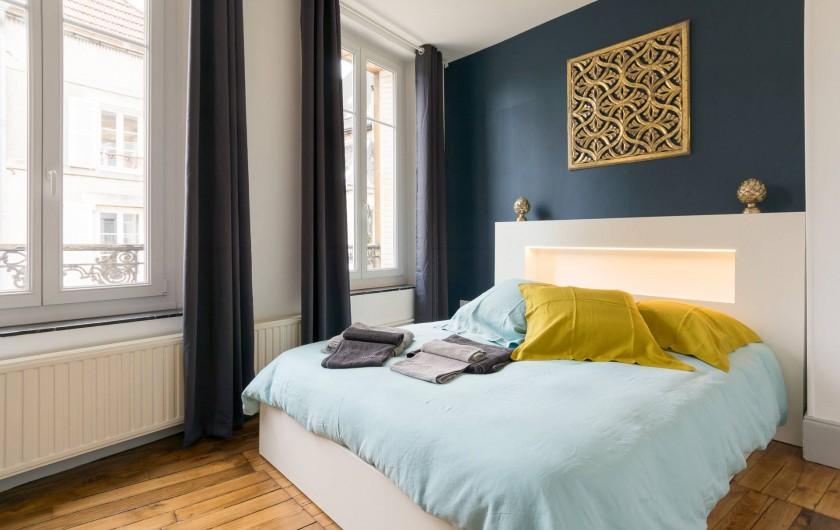 Location de vacances - Appartement à Charleville-Mézières - Chambre Moulin avec lit 160 X 200