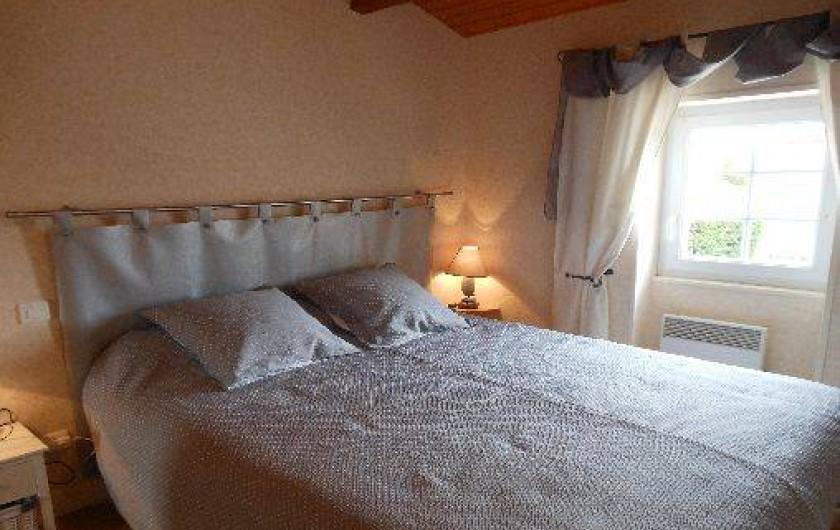 """Location de vacances - Gîte à Segonzac - gite """"Colombard"""" Chambre 1 lit de 160cm"""