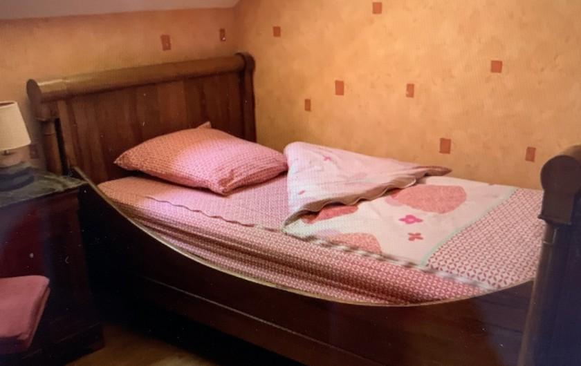 Location de vacances - Gîte à Omiécourt - Lit 1 personne dans la petite chambre du haut