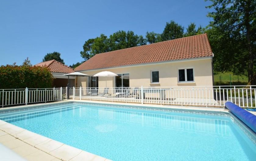 Location de vacances - Gîte à Cublac - La Roseraie avec sa piscine privée chauffée de 10 x 5 m