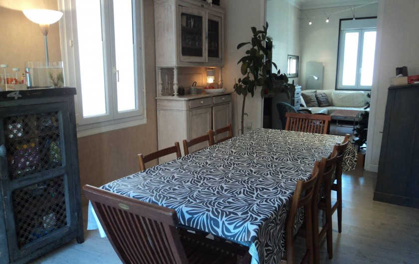 Location de vacances - Maison - Villa à Saint-Laurent-de-la-Salanque - Salle à manger et salon en enfilade