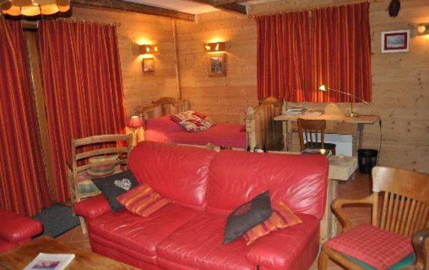 Location de vacances - Chalet à Saint-Jean-d'Arves - salon 1er étage
