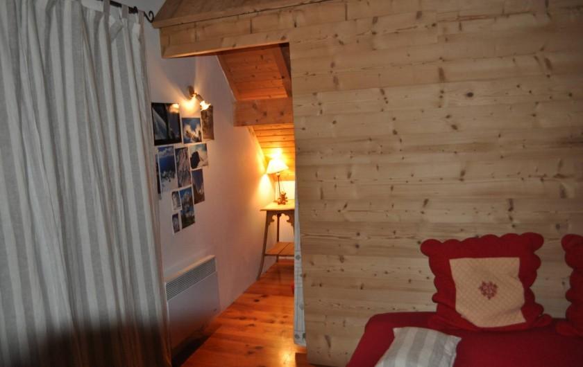 Location de vacances - Chalet à Saint-Jean-d'Arves - salon 2ème étage  + chambre 5