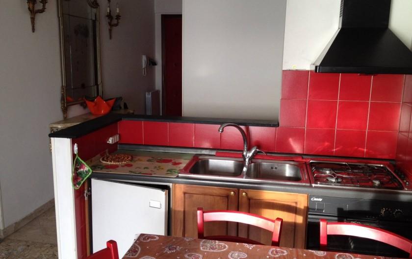 Location de vacances - Appartement à Ospedaletti - Angle cuisine