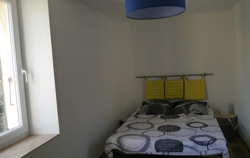 Location de vacances - Appartement à Saint-Paulet-de-Caisson - chambre1