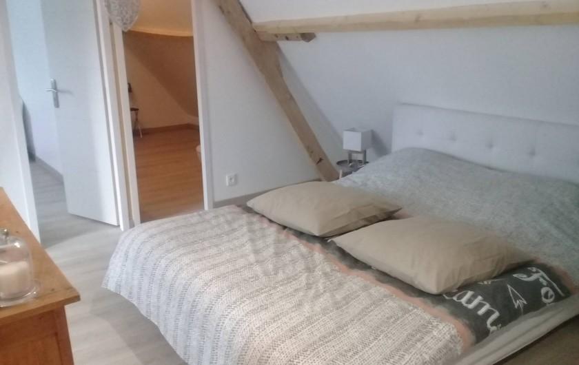 """Location de vacances - Gîte à Helfaut - chambre  double """" le petit bois"""" à l'étage avec salle de douche et WC"""