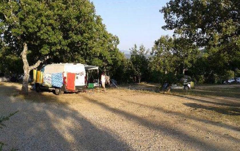 Aire naturelle de camping avec piscine location for Camping alpes de hautes provence avec piscine