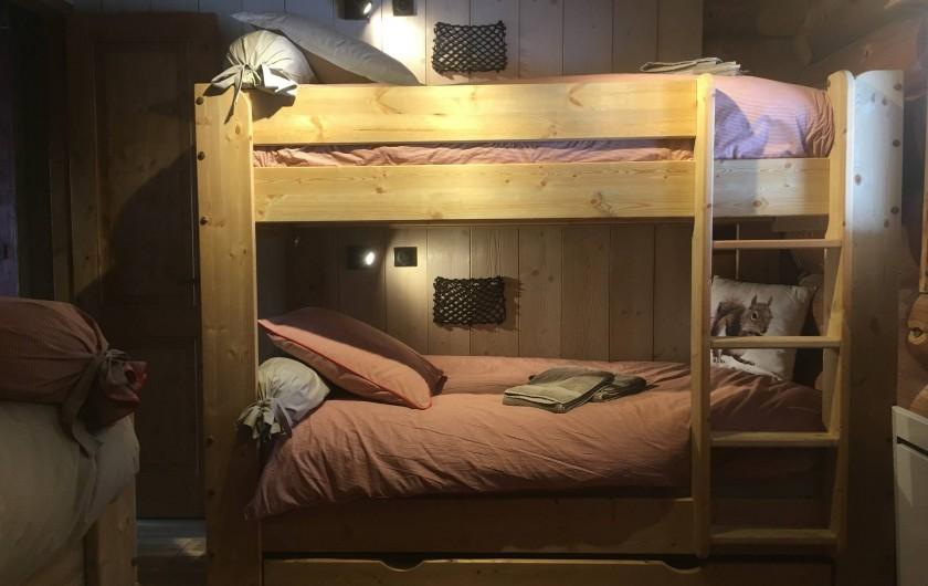 Location de vacances - Chalet à Bolquère - Le Grenier, ses lits superposés