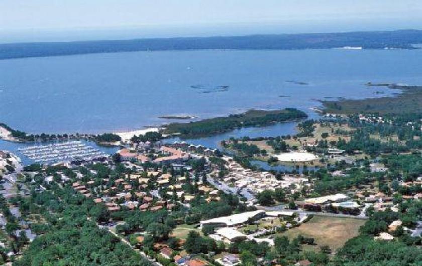 Location de vacances - Maison - Villa à Hourtin - Vue aérienne Hourtin Port - Lac Hourtin-carcans - Les Cottages d'Hourtin***