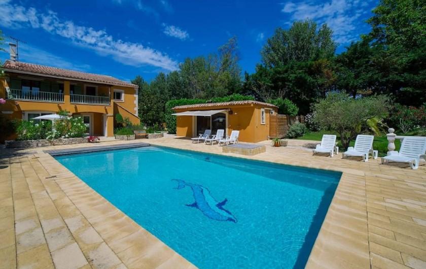 Location de vacances - Villa à Avignon - Vue principale au soleil ocre Avignon