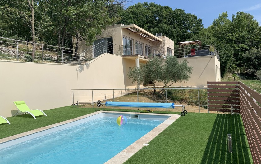 Location de vacances - Villa à Barjac - Vue depuis le Pool-house