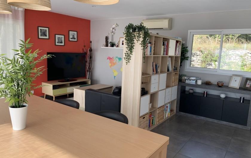 Location de vacances - Villa à Barjac - Salon / Séjour