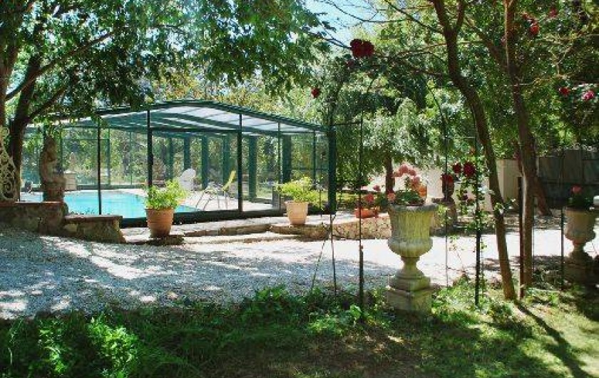 Location de vacances - Chambre d'hôtes à Cuers - piscine