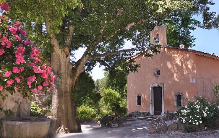 Location de vacances - Chambre d'hôtes à Cuers - la chapelle du hameau du XVem siécle