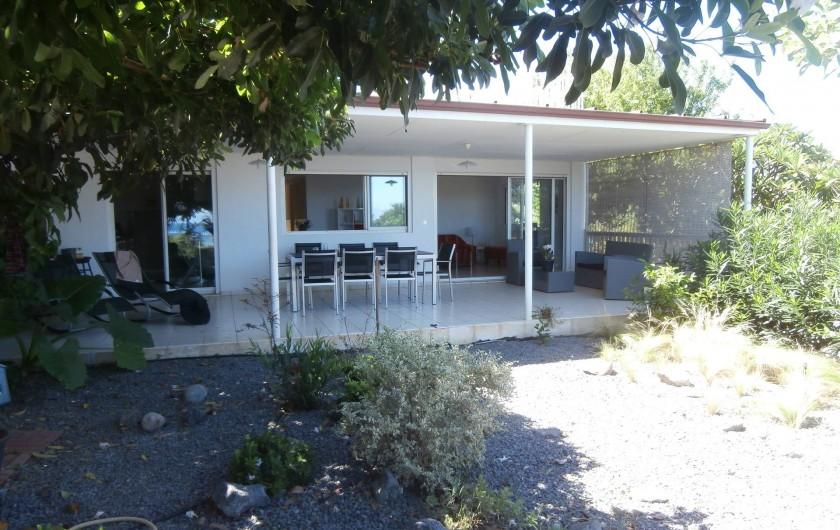 Location de vacances - Villa à Saint-Gilles les Bains - La terrasse