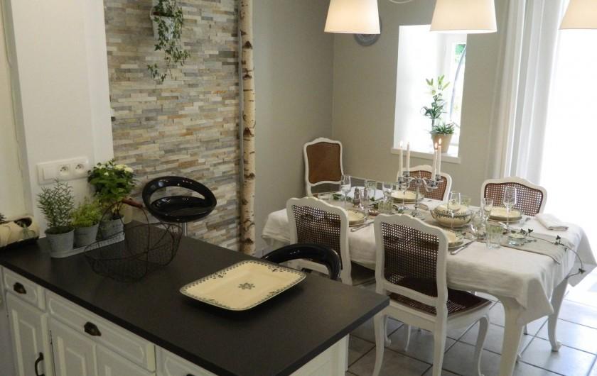 Location de vacances - Gîte à Baume-les-Messieurs - Cuisine / Salle à manger