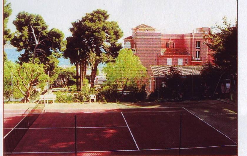 Location de vacances - Studio à Bandol - Le Tennis dans la pinède de La Résidence