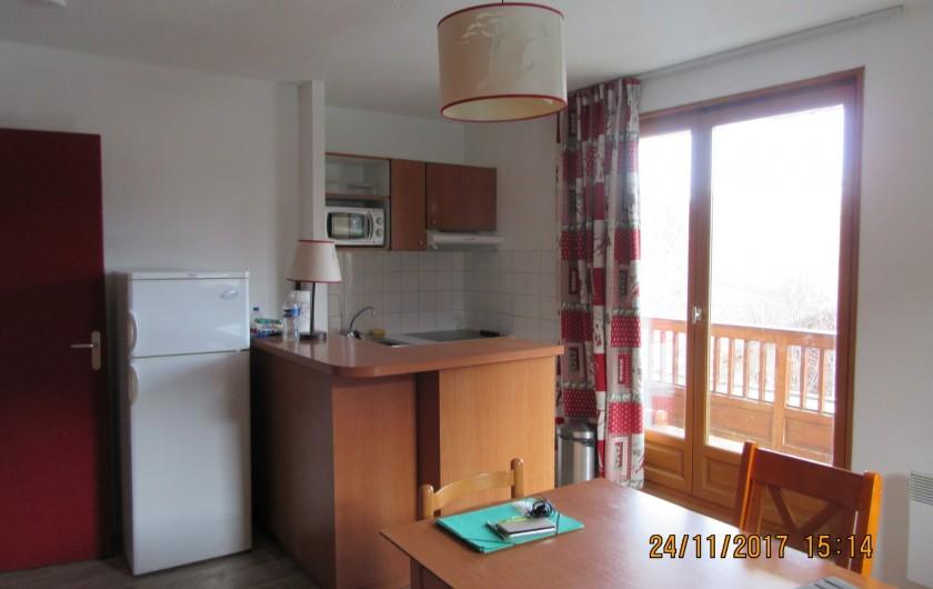 Location de vacances - Appartement à Saint-Sorlin-d'Arves - coin cuisine
