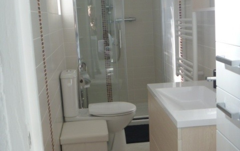 Location de vacances - Gîte à Manosque - Salle d'eau avec douche à l'italienne