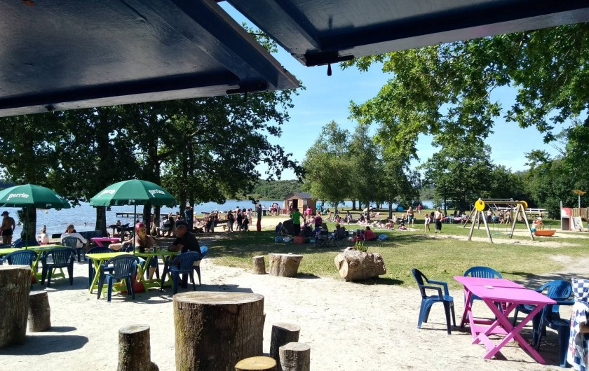 Location de vacances - Bungalow - Mobilhome à Priziac - bar snack sur le lac du bel air bretagne camping nature
