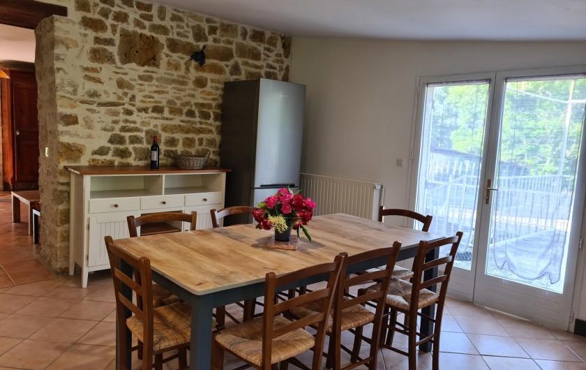 Location de vacances - Gîte à Mechmont - La cuisine qui donne sur la terrasse