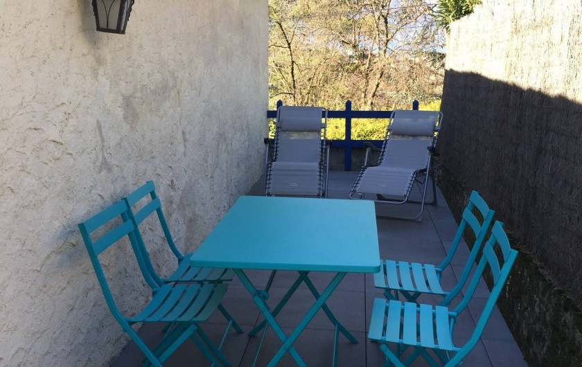 """Location de vacances - Villa à Aix-les-Bains - Terrasse privée du studio """"Le Chalet"""""""