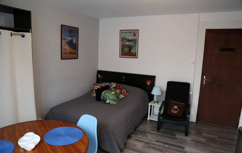 Location de vacances - Villa à Aix-les-Bains - La pièce à vivre du studio 2