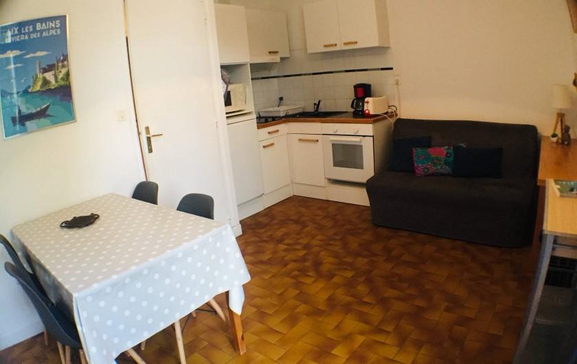 Location de vacances - Villa à Aix-les-Bains - La cuisine du RDC 1