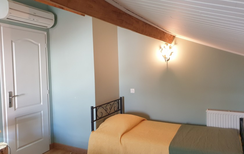 Location de vacances - Gîte à Lafrançaise - Chambre2 , chauffage central.  3 lits 90/190