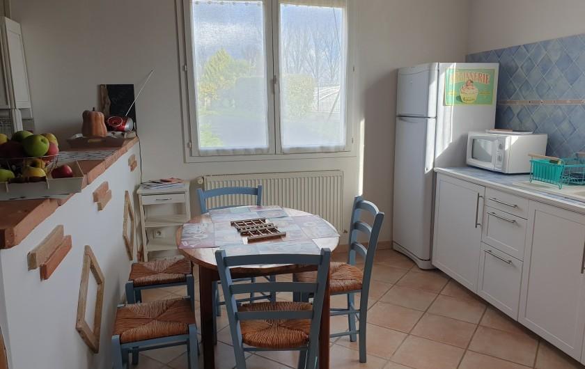 Location de vacances - Gîte à Lafrançaise - Coin repas cuisine.