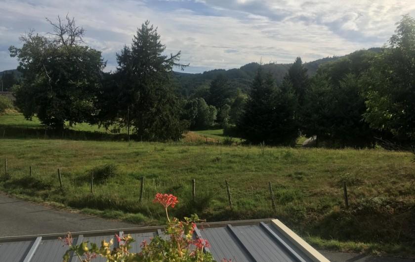 Location de vacances - Maison - Villa à Péret-Bel-Air - Vue depuis la chambre rose