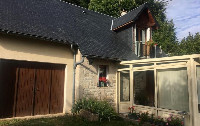 Location de vacances - Maison - Villa à Péret-Bel-Air - Façade de la maison