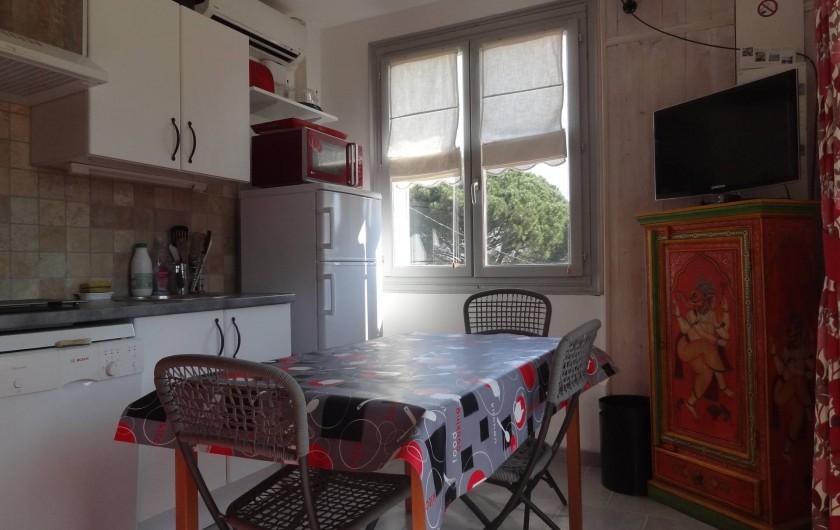 Location de vacances - Appartement à Le Lavandou - Cuisine équipée