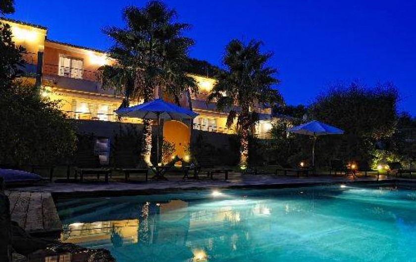 Villa avec piscine chauff e et jardin pr s du centre ville - Hotel porto portugal avec piscine ...