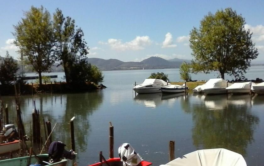Location de vacances - Appartement à Castel Rigone - Bateaux sur le lac Trasimène