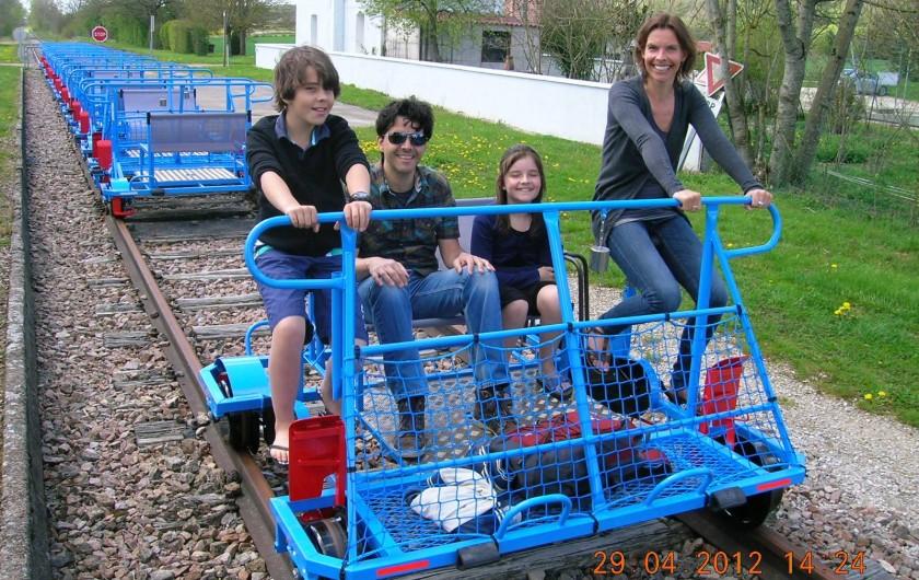 Location de vacances - Gîte à Chantraines - Cyclo rail à 200 mètres du gîte