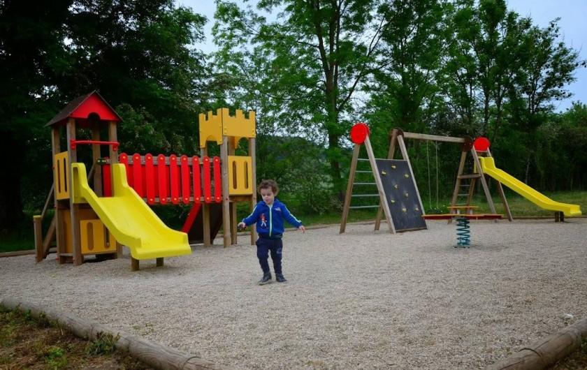 Location de vacances - Gîte à Chantraines - Aire de jeux à 200 mètres du gîte