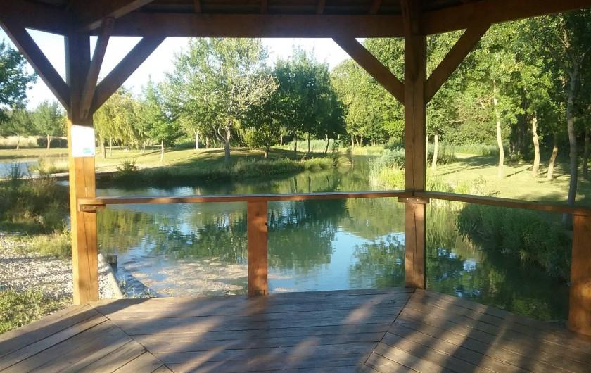 Location de vacances - Gîte à Saint-Paul-les-Fonts - Kiosque du lac pour la pêche à la mouche et location évènement