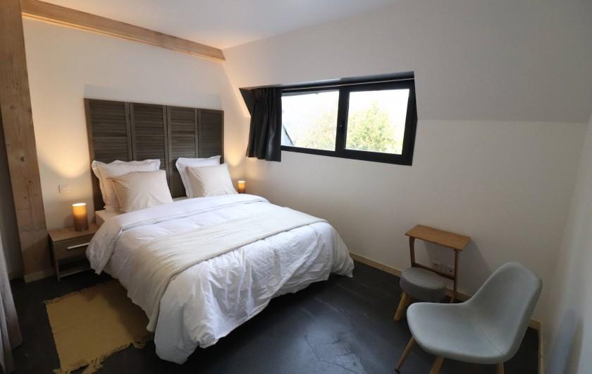 Location de vacances - Gîte à Vic-sur-Cère - Chambre 2 espace nuit rez-de-chaussée haut  (lit 160 x 200)