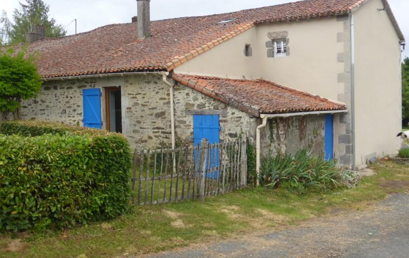 Location de vacances - Maison - Villa à Moncoutant-sur-Sèvre - Gîte vue arrière