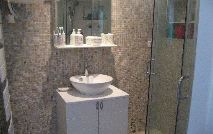 Location de vacances - Appartement à Carry-le-Rouet - salle de bain