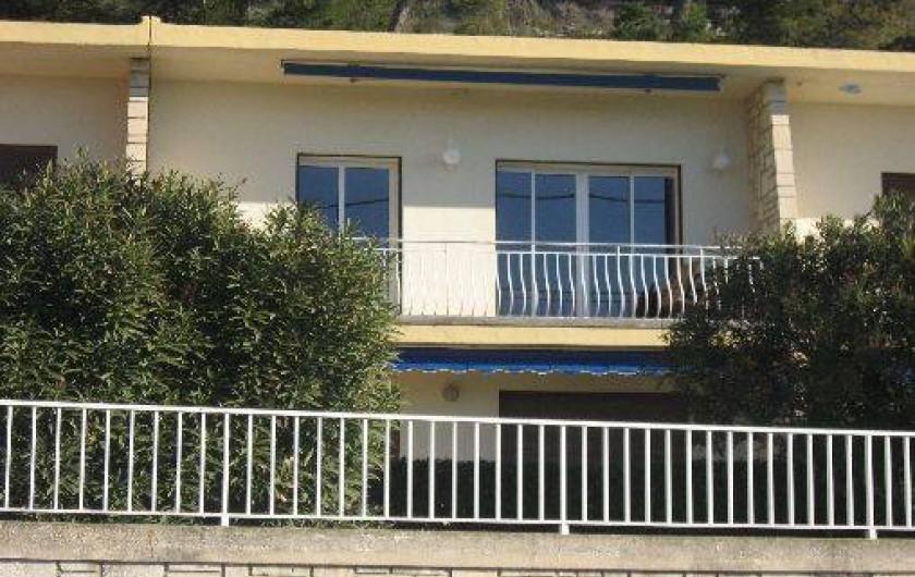 Location de vacances - Appartement à Carry-le-Rouet - appartement vu de la plage